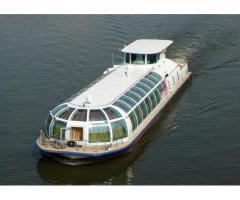 Canal passenger ship