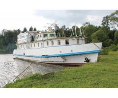 River passenger - work ship - 22 persons