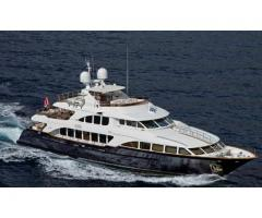 African Queen - Luxury Charter