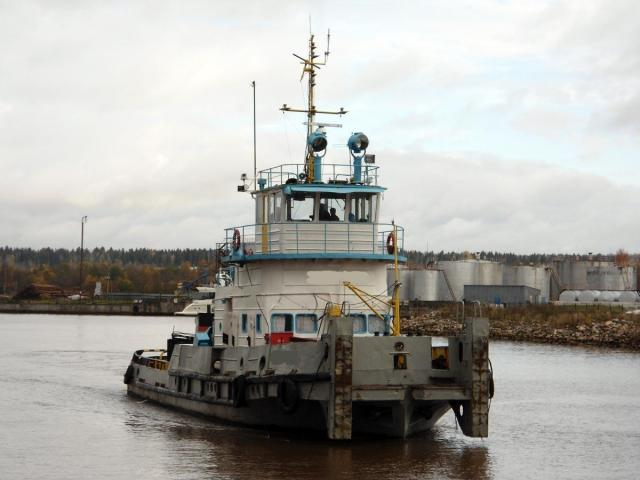 River pusher tug